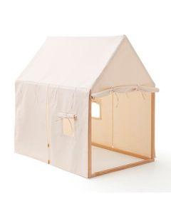 Teltet fra Kids Concept er laget av hvit bomull med staver i furutre. Teltet har et smart, lekent design. Enkelt å montere.  Om teltet fra Kids Concept - Kombiner teltet med et sammenleggbart leketeppe fra Kids Concept. - Alder: 3+ år  Vedlikeholdsinstruk